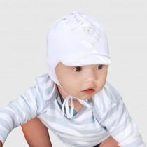 Jesienna czapeczka dla chłopca z misiem