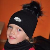 Zimowa czapeczka dla dziewczynki-pomponik z jenota.